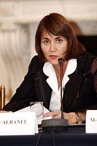 Christine Albanel se fait tacler par Google