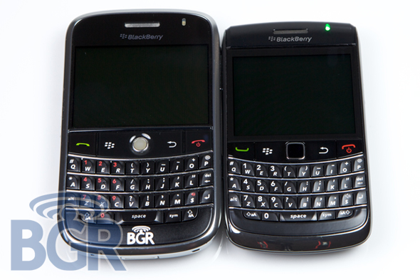 Blackberry BOLD 9700 comparé au 9000