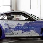 Une Porsche aux couleurs de Facebook pour fêter le 1 000 000ème abonné !